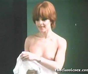 Super hot retro chick..