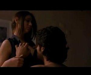 Alia Bhatt Hot Scene -..