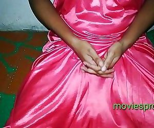 Desi girl having sex in..