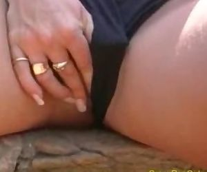 Big tits babe pissing..