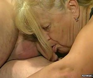 Two granny get fucked..
