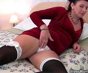 British milf loves anal..