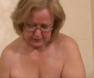 Gorgeous mature slut..