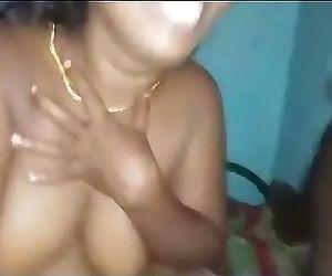 Desi indian aunty sexy..