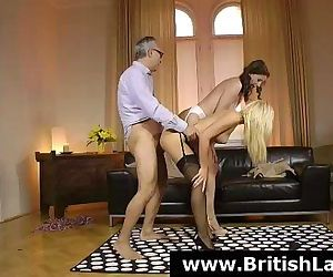 British MILF Lara Latex..