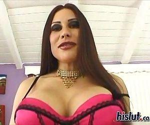 Rossana is a Latin MILF