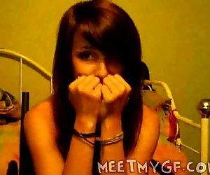 Teen Girl Flashes..