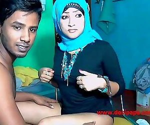 married srilankan..