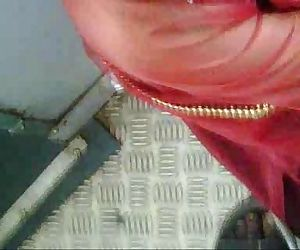Desi Train Clevage.3GP..