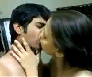 kisser - 2 min