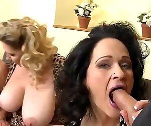 Three sexy matures fuck..