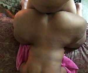 Mature ssbbw big butt..