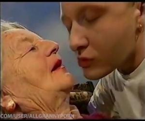Kissing Grannys..