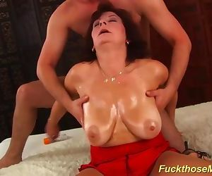 busty hairy mom brutal..