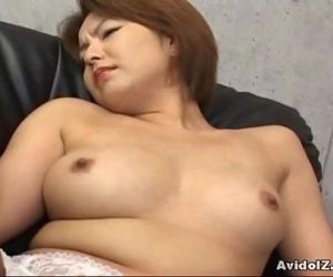Japanese babe gets her..