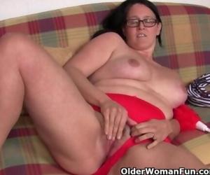 Chubby mature housewife..