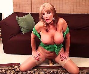 Rae Hart mature video &..