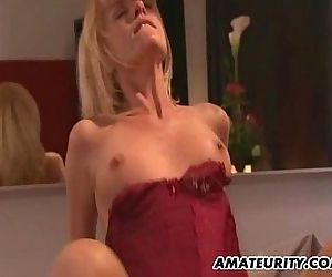 Amateur Milf does anal..