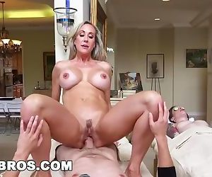 Brandi Love Gives..