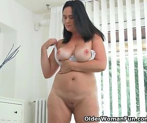 Well rounded milf Ria..