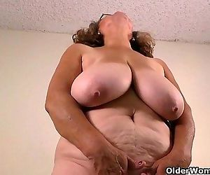 Latina milfs Rosaly and..