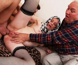 Mom first Time Cuckold..