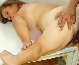 BBW Midget Granny..