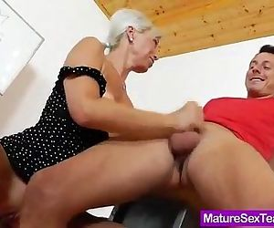 Anciana caliente - 6 min
