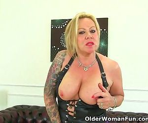 Naughty UK milf Camilla..