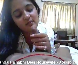 Desi aunty sucking..