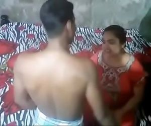 Desi Aunty Caught By..