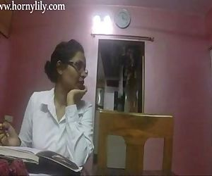 Indian Aunty Sex Horny..