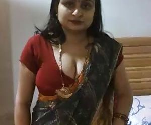 Desi Aunty clips for..
