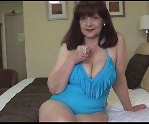 Attractive big tits..