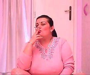 Mature Pussy Smoking..