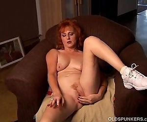 Mature amateur redhead..