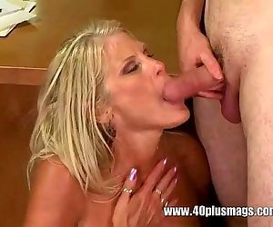 Office fuck with Milf..