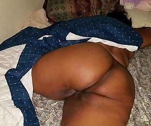 SLEEPING BIG BUTT MILF..
