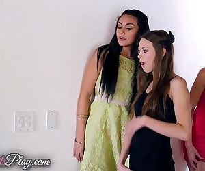 Twistys When Girls PlayHD
