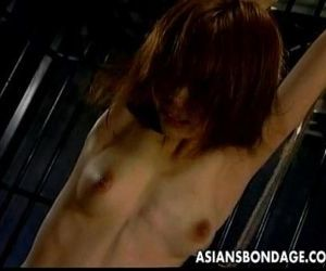 Asian girl gets orgasm..