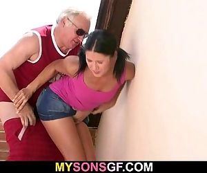 GF lets her BF\'s dad..
